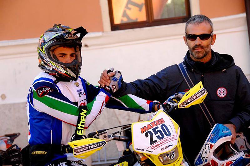 Claudio Spanu e Sandro Spanu - Foto da Facebook: Team Italia Enduro 2015