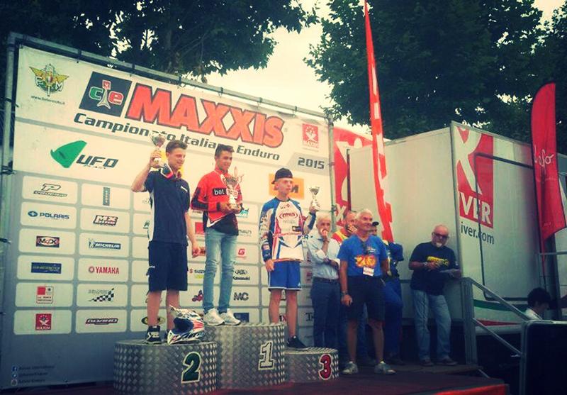Claudio Spanu sul podio Under 23 - Varzi, 26 luglio 2015