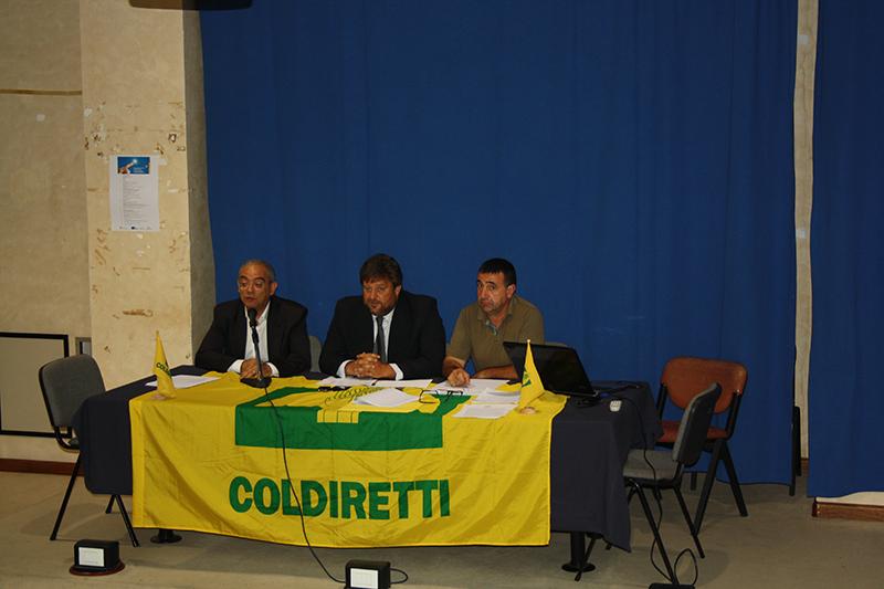 Da sinistra: l'assessore Cristiano Erriu, il responsabile di Coldiretti impresa pesca Mauro Manca e il presidente di Coldiretti Sardegna Battista Cualbu