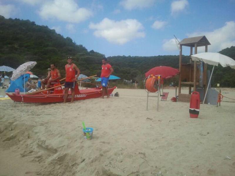 Salvamento a mare, estate 2015 - Foto: Associazione Sicurezza e Salvaguardia Marina di Orosei