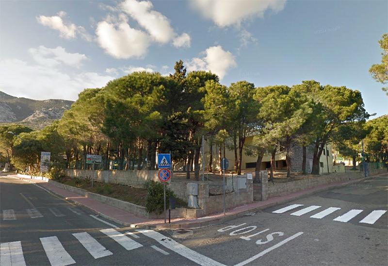 Scuola Elementare Cala Gonone - Foto da Google Maps