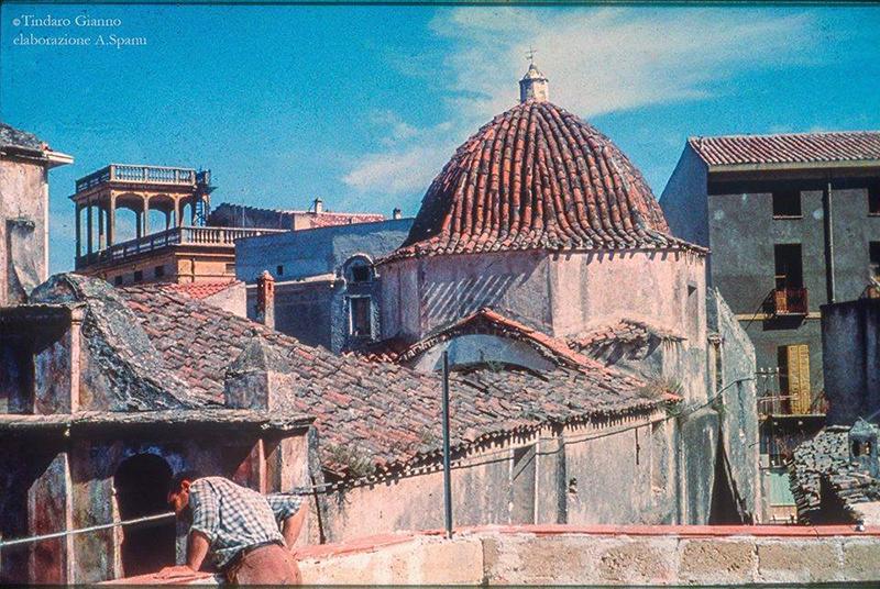 Chiesa del Rosario a Dorgali (anni 50/60) - Foto: Tindaro Gianno - Elaborazione: Alessandro Spanu