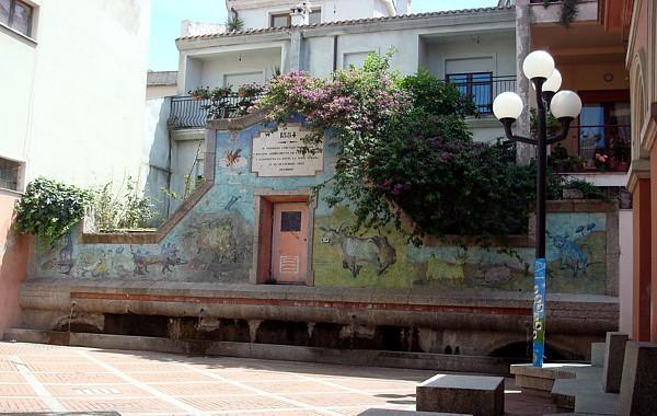Dorgali, Piazza Funtana - Immagine tratta da Wikimapia